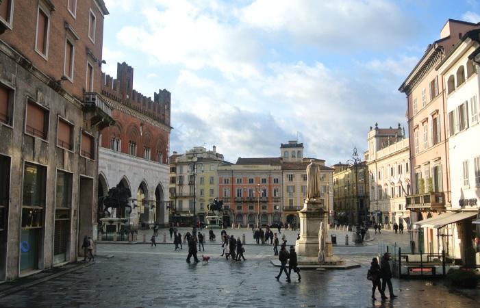 Piazza_dei_Cavalli_Piacenza