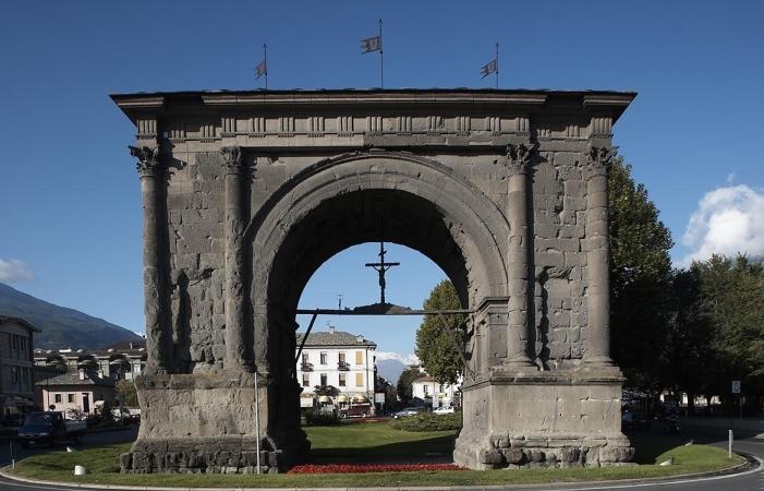Arco_Augusto_Aosta